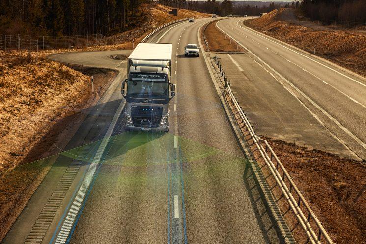 Dos nuevas funcionalidades en la Dirección Dinámica de Volvo para aumentar la seguridad y el confort del conductor.