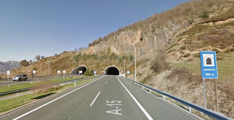 Guipúzcoa restringe el paso a camiones de mercancías peligrosas y especiales en la A15 por obras de mejora en el túnel de San Lorenzo-Larre.