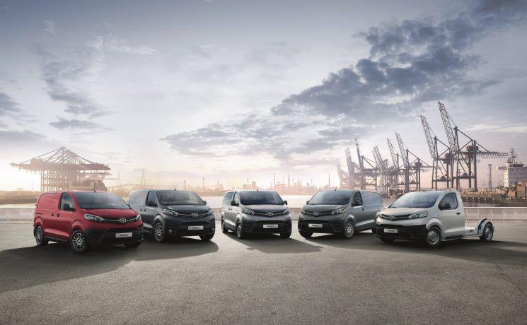 Toyota actualiza la gama PROACE para el transporte de mercancías y viajeros.