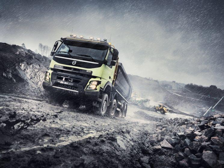 Volvo cuenta con el FMX para afrontar todos los trabajos de construcción, especialmente los más exigentes y difíciles.