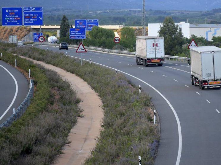 Las organizaciones de transporte van a recurrir judicialmente el desvío obligatorio de camiones a la AP7 y AP2