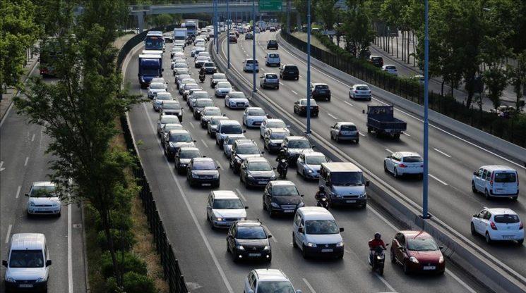 Las restricciones a la circulación de camiones en Cataluña provoca la protesta de las asociaciones de transportistas.