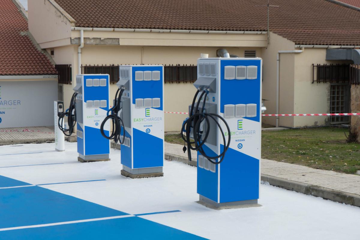 La estación de Aranda de Duero es la primera de las que Nissan va a poner en marcha para la carga rápida de vehículos eléctricos.