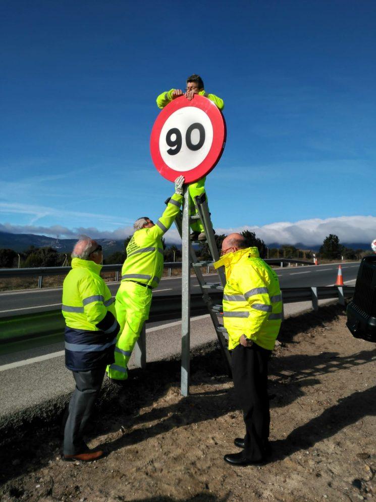 Baja a 90 km/h el límite de velocidad para turismos en carreteras convencionales donde antes era a 100 km/h.