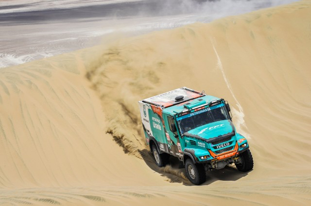 La sexta etapa del Dakar 2019 la ha ganado De Rooy con su camión Iveco.