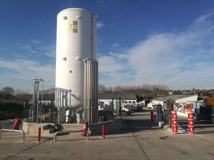 Primera gasinera del Grupo HAM en Asturias para camiones, vehículos comerciales y turismos.