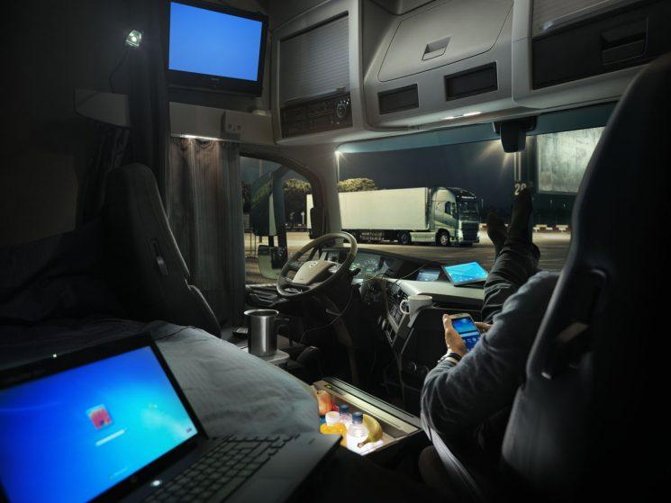 El nuevo ROTT sanciona el descanso semanal de 45 horas en cabina con hasta 2000 euros