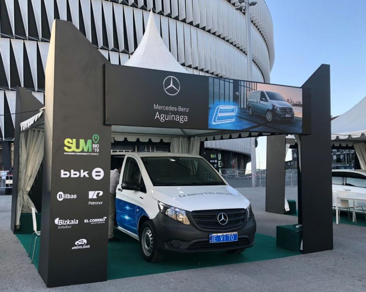 Mercedes-Benz presenta la eVito al público español en Bilbao.