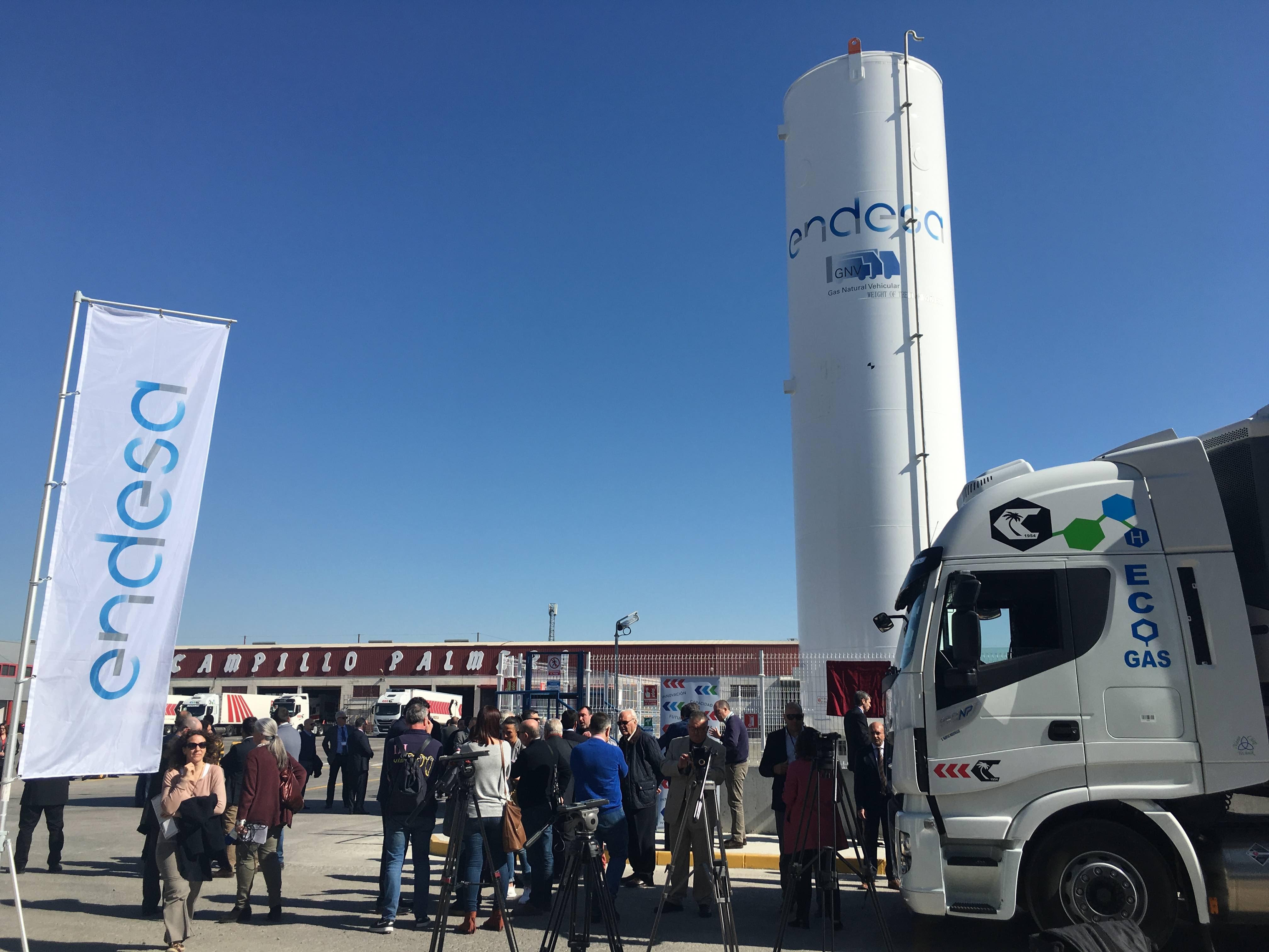 Endesa inaugura gasinera en Molina de Segura