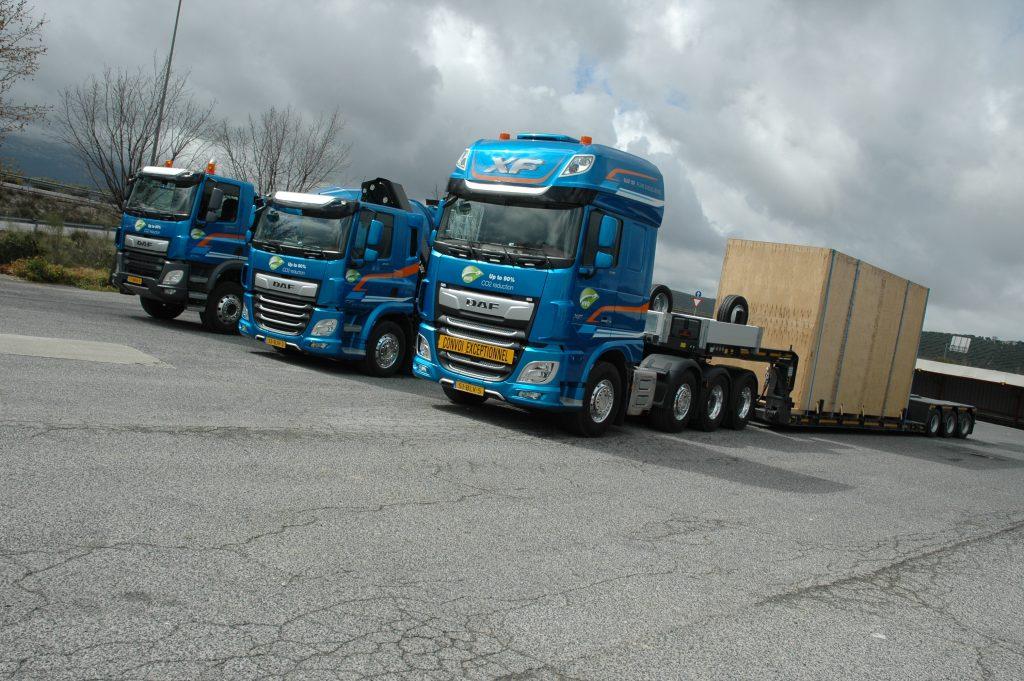 Tractora DAF FTM 8x4/4 para transportes especiales de hasta 120 toneladas.