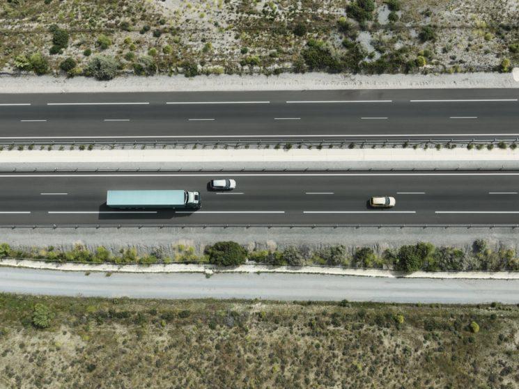La prohibición de circulación de camiones en la N340 y su desvío a la Ap7 está ocasionando serios problemas de seguridad y saturación en las únicas tres áreas de servicio incluidas en el tramo.