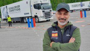Juan Romeral, el representante español en la final internacional del Scania Driver Competition, antes de realizar una de las pruebas.