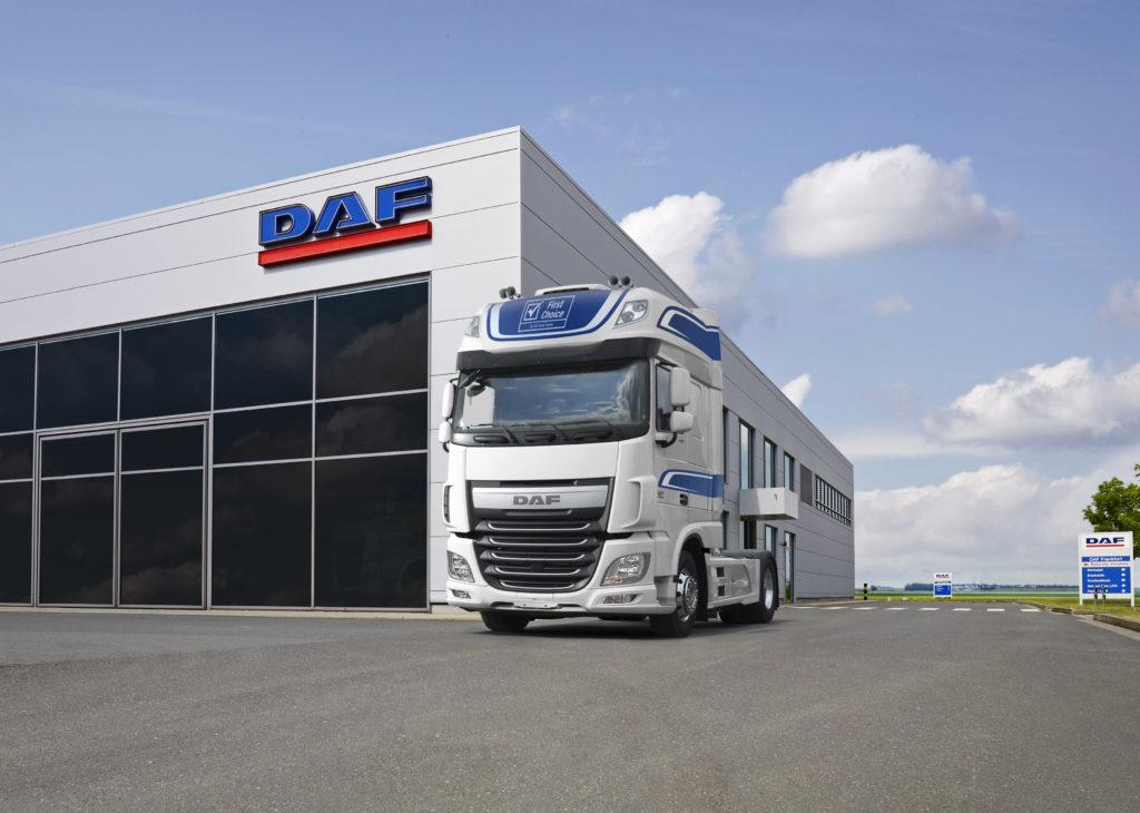 DAF lanza seminuevos con cuatro años y etiqueta First Choice con garantía total.