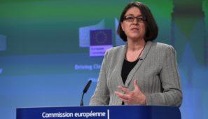 La Comisaria de Transporte, Violeta Bulc, ha respondido al Comité Nacional de Transporte dando su apoyo por los problemas de congestión en Irún y afirmando que tomarán las medidas necesarias para que no se repita.