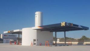 HAM inaugura una nueva gasinera en Villarreal de gas natural licuado para camiones.
