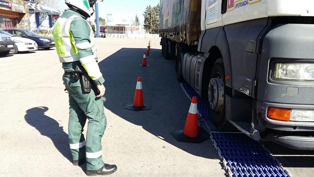 La organización internacional de policía de tráfico, TISPOL, ha iniciado una campaña de control de camiones y autobuses para asegurar la seguridad de todos los viajeros europeos.