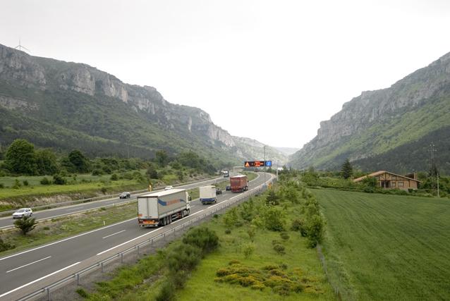 La sentencia del Supremo que anula las bonificaciones en los peajes de camiones en la AP68 ha llevado al Comité Nacional ha pedir a Tráfico que revoque la prohibición de circulación de camiones en la N232.