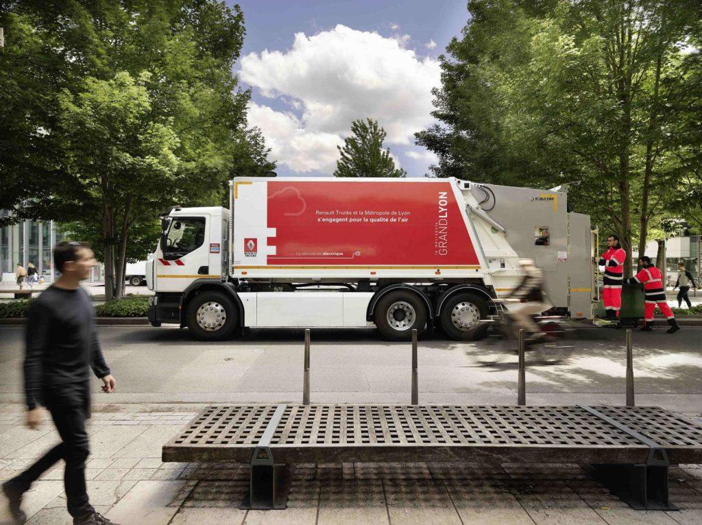 Un Renault Trucks D Wide eléctrico de segunda generación circula ya en la ciudad de Lyon para la recogida de residuos.