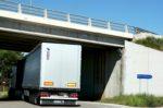 Los camiones pueden circular temporalmente por la NII en Girona