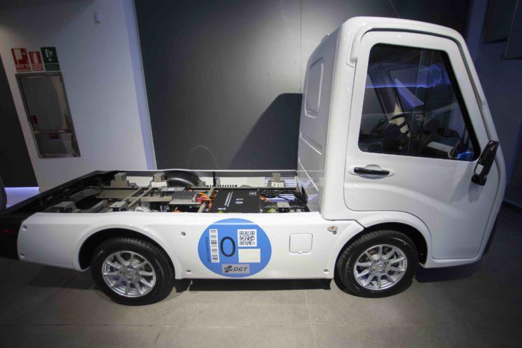 Nextem presenta Metro un vehículo eléctrico para reparto de última milla con hasta 270 km. de autonomía y 500 Kg. de carga útil.