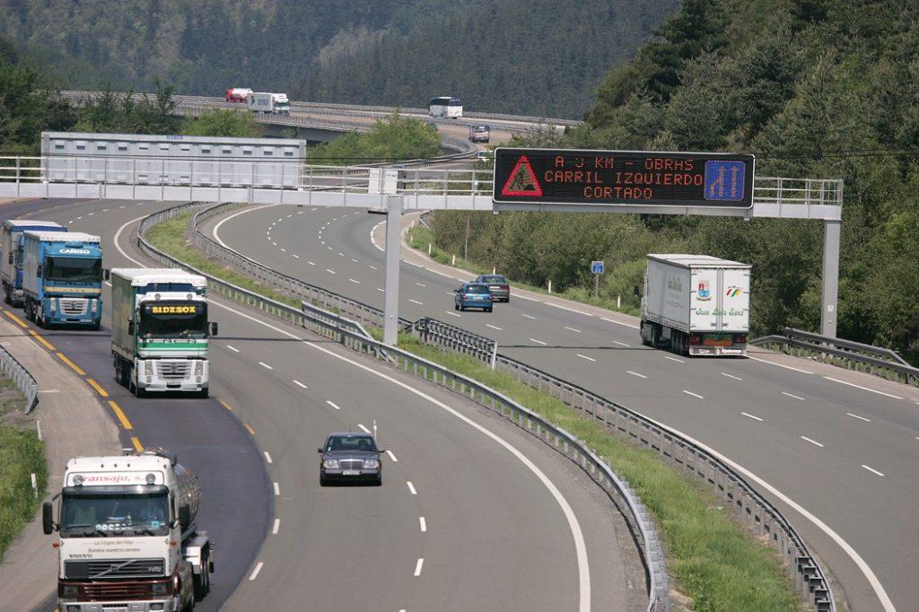 El Gobierno central ha anunciado la publicación de un Real Decreto que va a mantener las subvenciones a los camiones en el importe del peaje en la AP68.