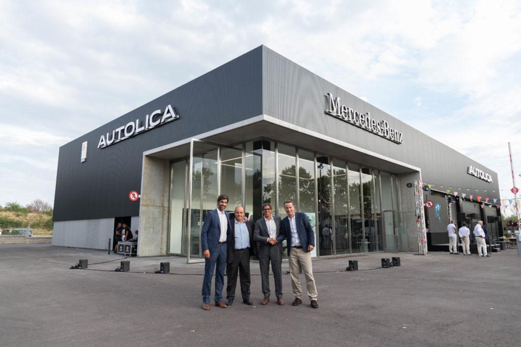 De izda. a decha. Pol Soler, CEO de Quadis, Antonio García-Patiño, presidente y director general de Mercedes-Benz Trucks España,Gonzalo Sanchís, gerente de Autolica Industriales, Jaime Vázquez, director de Ventas de Mercedes-Benz Trucks ESpaña.