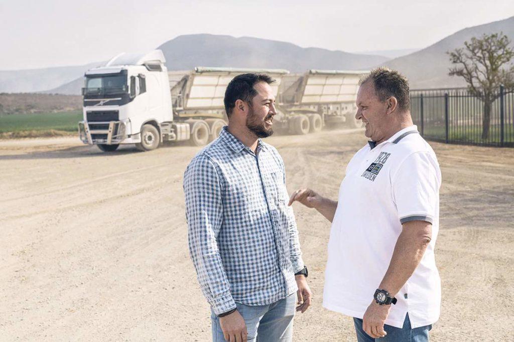 Con el contrato de servicios Flexi-Gold de Volvo Trucks, el cliente solo paga por el uso real del camión.