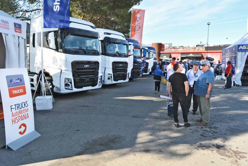 F-Trucks Automotive Hispania aprovechó la celebración del Campeonato Europeo de Camiones de El Jarama para exponer sus F-MAX al público que demostró mucho interés en el nuevo camión que empieza a comercializarse en España.