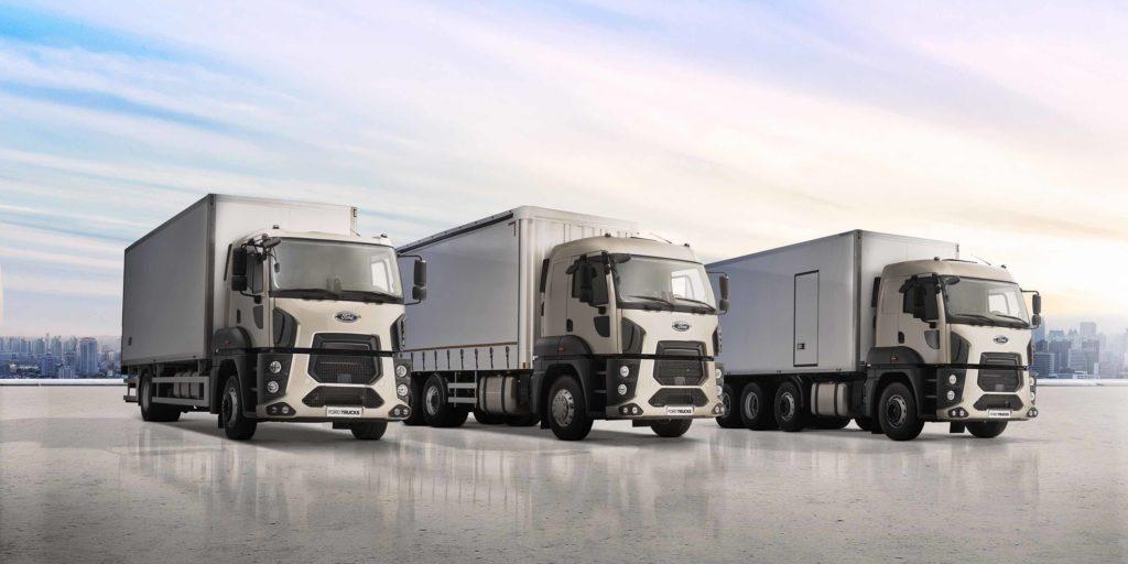 La gama de distribución dispone de configuraciones de 2, 3 y 4 ejes. En motores, el de 13 litros y 420 CV o bien el de 9 litros y 330 CV.