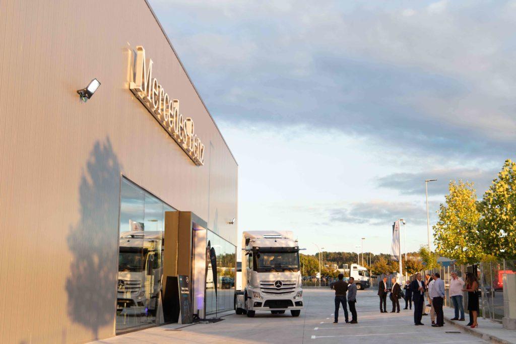 Grupo Louzao ha inaugurado un concesionario Mercedes-Benz en San Cibrao das Viñas, Ourense.