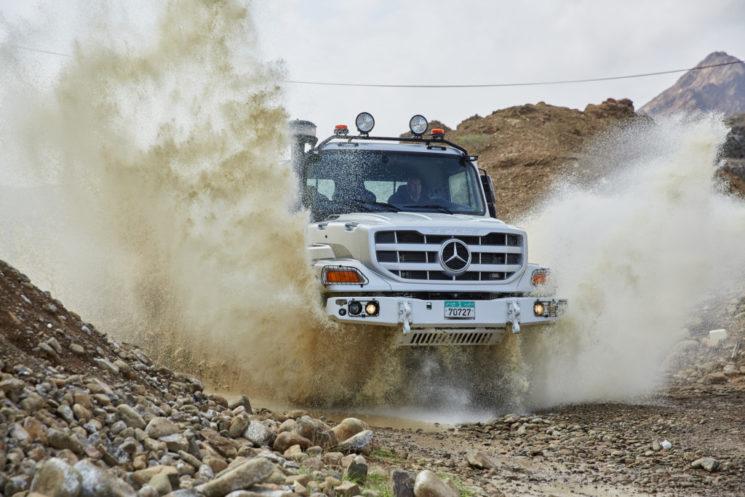 Mercedes-Benz presenta la nueva generación del Zetros, completamente rediseñado por dentro y fuera.