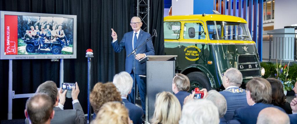 Pieter van Vollenhoven llegó a bordo de un DAF Pony, un camión del que solo se fabricaron 15 unidades.