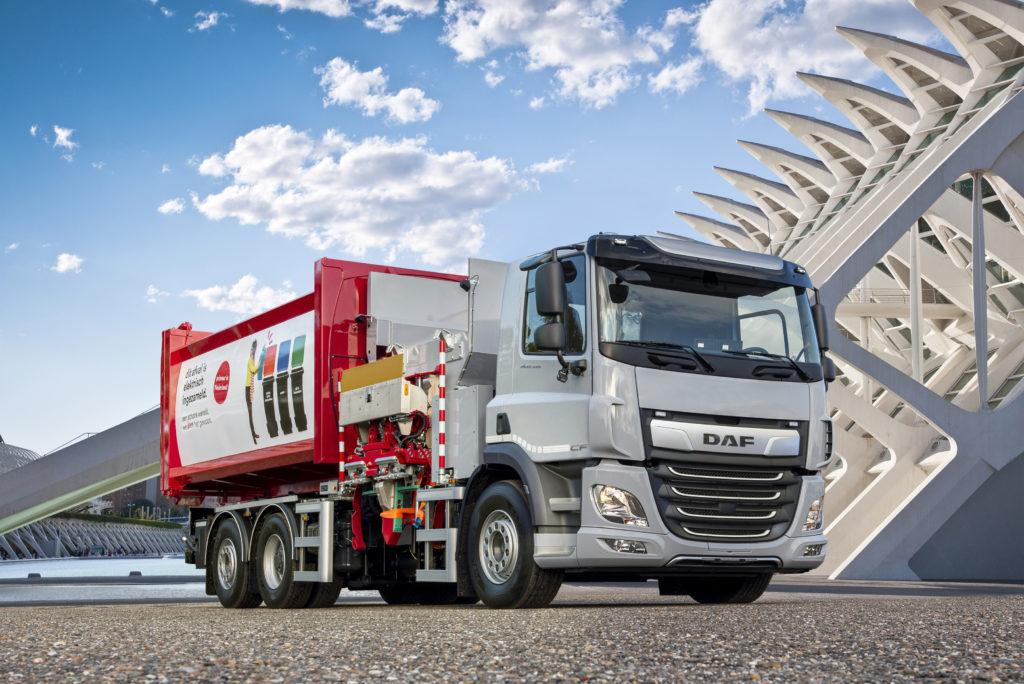 DAF pone un CF eléctrico 6x2 en pruebas para la gestión de residuos urbanos en ciudades holandesas.
