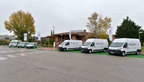 En una presentación de su gama profesional en Madrid, Fiat ha destacado como novedades más importantes de la nueva Ducato la disponibilidad de una caja automática de nueve velocidades y la llegada de una versión eléctrica para 2020.