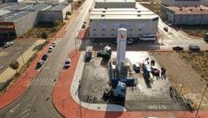Monegas inaugura la primera gasinera de Albacete.
