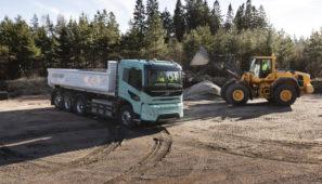 Volvo Trucks presenta camiones conceptuales eléctricos para el transporte pesado de construcción y regional.