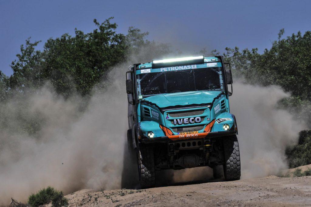 IVECO estará presente un año más en el Dakar con el equipo PATRONAS Team de Rooy IVECO con cuatro vehículos.