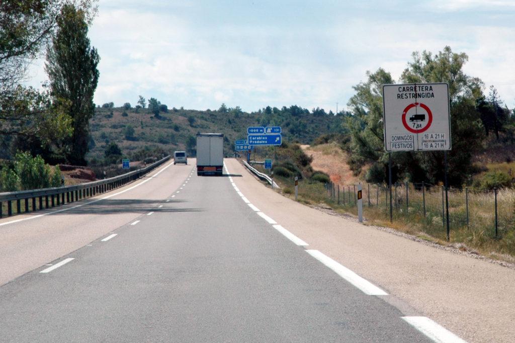 FENADISMER rechaza la propuesta de la DGT de ampliar las restricciones en la N1/A1 dirección Irún desde Burgos todos los domingos de verano, festivos y domingos que coincidan con restricciones en Francia.