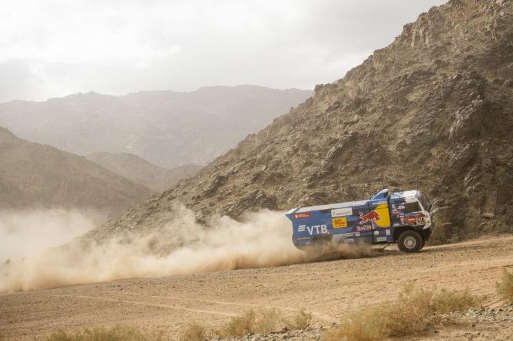 Shibalov, del equipo KAMAZ-Master, durante la cuarta etapa del Dakar 2020, que ha ganado finalmente.