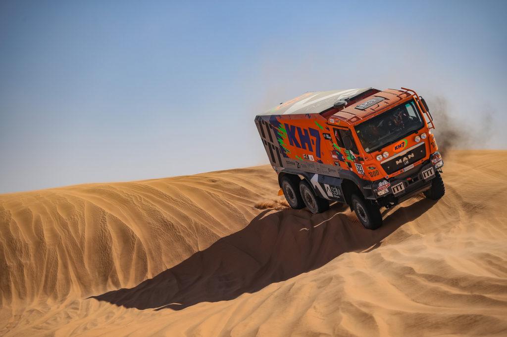 El MAN del equipo KH7 Epsilon Team con Juvanteny y Criado ha quedado en 19º posición en el Dakar 2020.