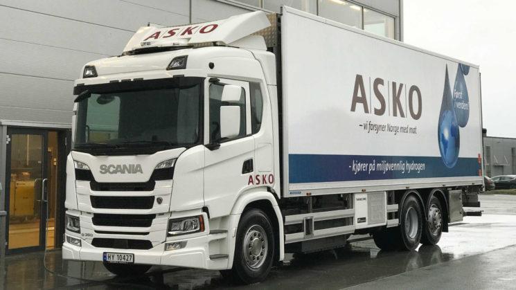 Scania inicia pruebas con cuatro camiones de pila de hidrógeno en Suecia en una empresa de alimentación, ASKO.