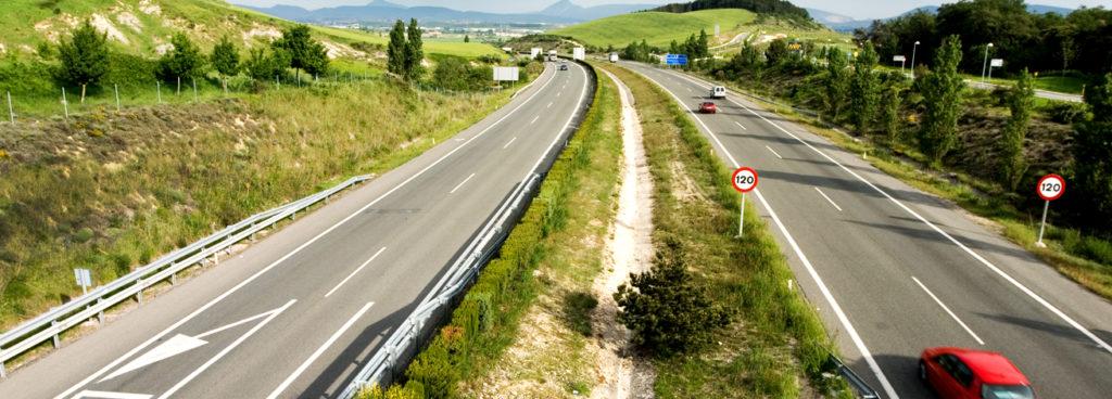 El Gobierno de Navarra ha confirmado que no va a prohibir la circulación de camiones en la N121.