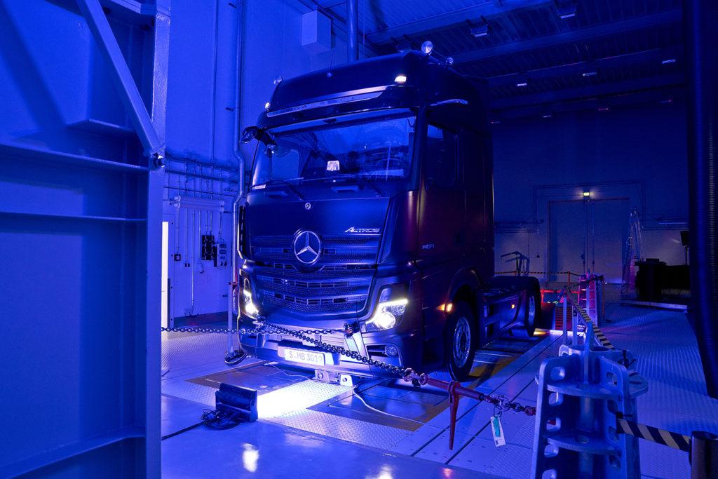 Mercedes-benz ha inaugurado un nuevo centro de desarrollo y pruebas para camiones en su planta de Wörth.