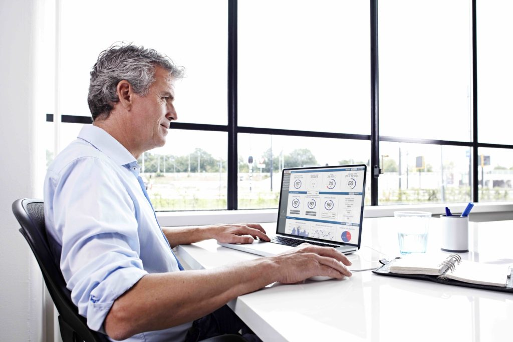 DAF añade una nueva función de su sistema de gestión de flotas, DAF Connect, que es la descarga, lectura y análisis de los datos del tacógrafo y de la tarjeta de conductor en tiempo real.