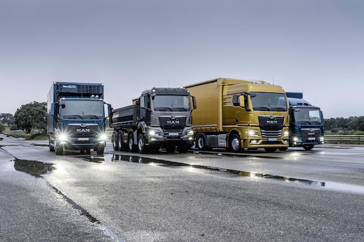 MAN ha presentado en Bilbao su nueva gama de camiones TG con las que da el salto definitivo a su filosofía de proveedor de soluciones de transporte. La gama TG incluye las cuatro versiones actuales: TGX, TGS, TGM y TGL.