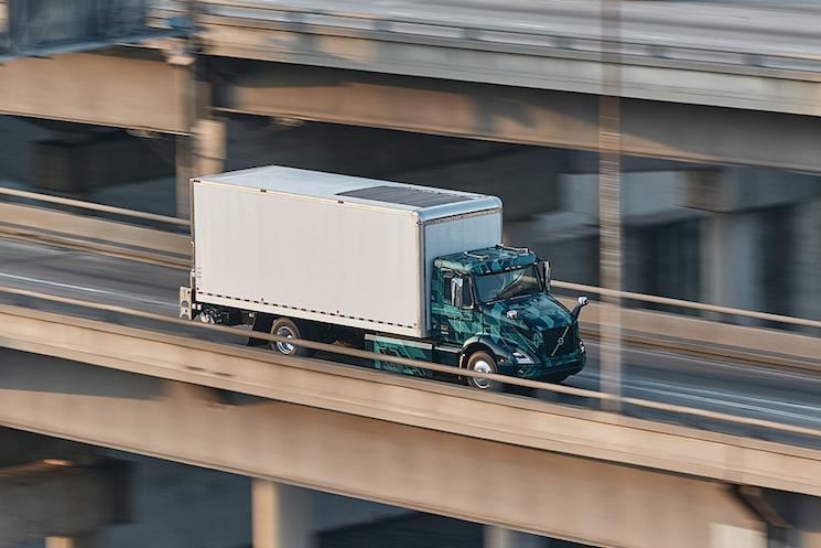 Volvo pone en marcha su proyecto de camión eléctrico en Norteamérica con el VNR en un proyecto de transporte real en California.
