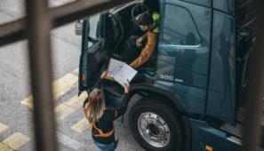 Los conductores por cuenta ajena tendrán que llevar desde ya un modelo de declaración responsable para justificar su movilidad.