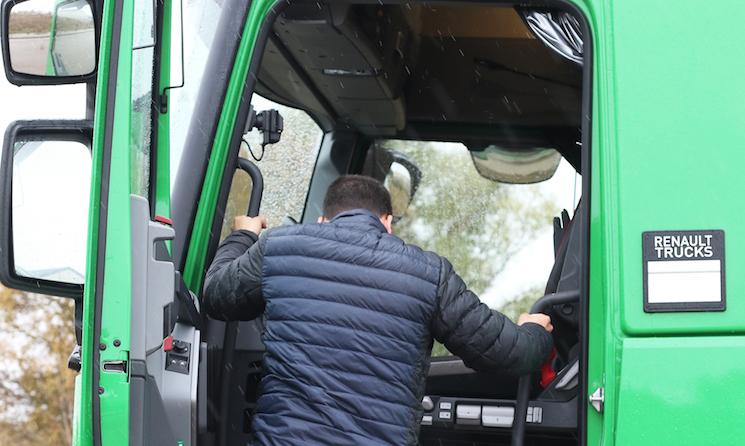 Renault Trucks pone en marcha la iniciativa #DriversAreHeroes