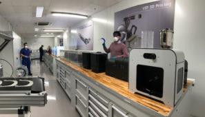 Ford fabrica 300 mascarillas al día para uso sanitario en su planta de Almussafes gracias a las impresoras 3D.