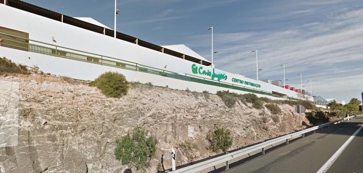 FENADISMER ha denuncia a El Corte Inglés a los Servicios de Inspección por realizar entregas de paquetes con vehículos particulares.